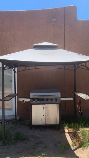 Large Charbroil propane grill and gazebo works great!!! Need gone ASAP for Sale in Rio Rancho, NM