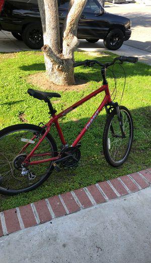 Giant Sedona Hybrid bike for Sale in Rialto, CA