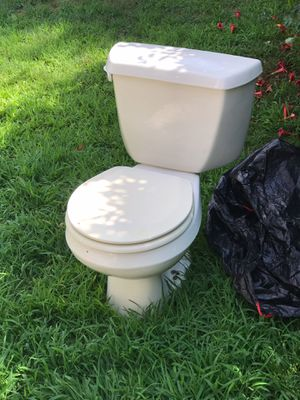 Toilet for Sale in Luzerne, PA