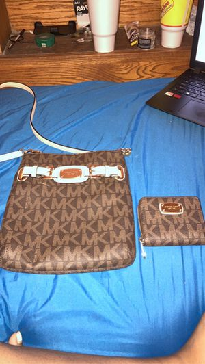 Authentic Michael kors bag and wallet for Sale in Troup, TX