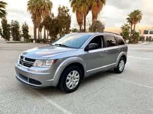 2017 Dodge Journey 3rd row 17k miles only for Sale in Pomona, CA