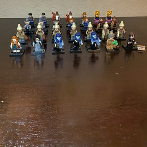 Lego Harry Potter (28) Mini-Figures *Limited Edition* for Sale in San Antonio, TX
