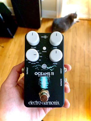 EHX Oceans 11 Reverb Effects Pedal for Sale in Kansas City, MO