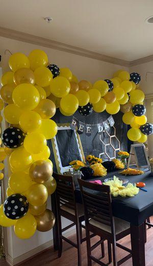 Free ballon arch for Sale in Austin, TX