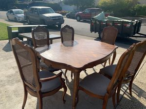 Dinning table set for Sale in Sunnyvale, CA
