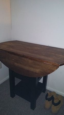 Kitchen table for Sale in Coralville,  IA