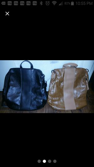 Women backpack with zipper in the back for Sale in Azusa, CA