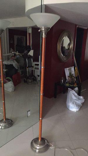 Floor lamp for Sale in Fort Lauderdale, FL