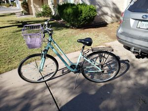 Giant size small women's bike cruiser with shifters for Sale in Phoenix, AZ