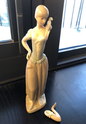 Lladro figurine for Sale in Chicago, IL