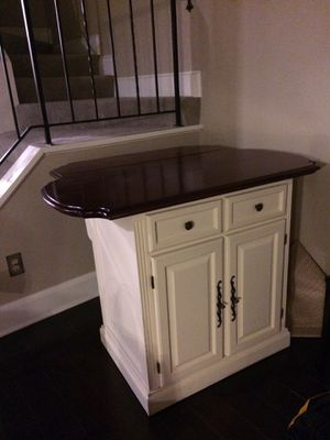 Kitchen Island with Cherry top for Sale in NY, US