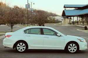 OO7 Honda Accord GOOD Clean Title & Clean Carfax for Sale in Cedar Rapids, IA