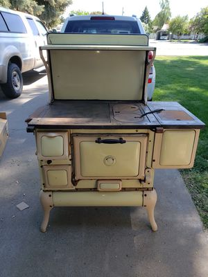 Antique Wood Stove for Sale in Kennewick, WA