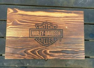 Harley-Davidson Cheers Gift Set 2 Lowball Glasses, Beautiful Pine Box for Sale in Dayton, OH