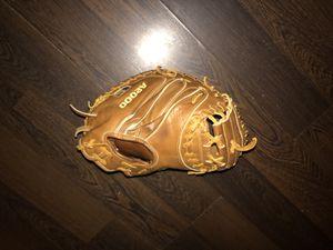 Wilson A2000 Catchers Glove 32.5 for Sale in Philadelphia, PA