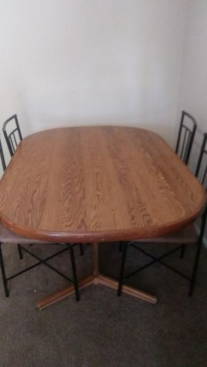 Table and chairs for Sale in Salt Lake City, UT