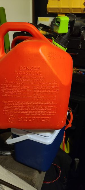 Gas container, gasolina contenedor for Sale in Denver, CO