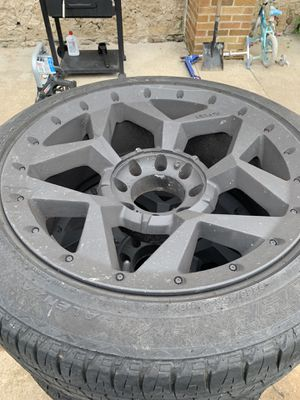 22inch 8x170 rims and tires came off 2000 f250 for Sale in Theresa, WI