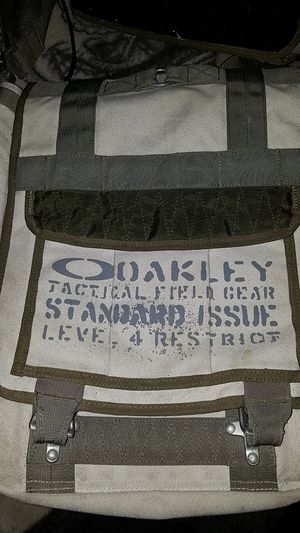 Oakley sample travel bag for Sale in Lake Elsinore, CA