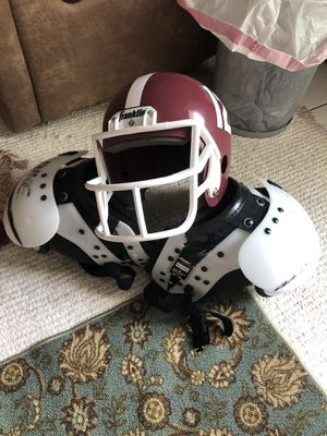 Football shoulder pad small size and helmet for Sale in Montgomery, AL