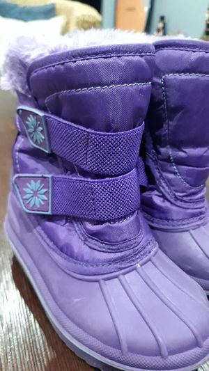 SNOW BOOTS FOR GIRLS SIZE:7/8 for Sale in Chula Vista, CA