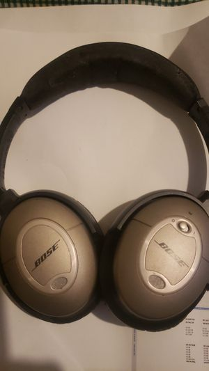 Bose headphones NOT WIRELESS for Sale in Spring, TX