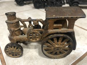 "Antique 4.75"" 3.25"" Super-antique CAST IRON ARCADE 1920'S TOY TRACTOR AVERY for Sale in Jurupa Valley, CA"