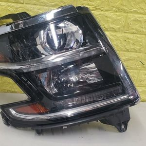 2015 2020 CHEVY CHEVROLET TAHOE SUBURBAN RIGHT HEADLIGHT PASSENGER SIDE LED HALOGEN GENUINE USED OEM NICE. D43 for Sale in Paramount, CA
