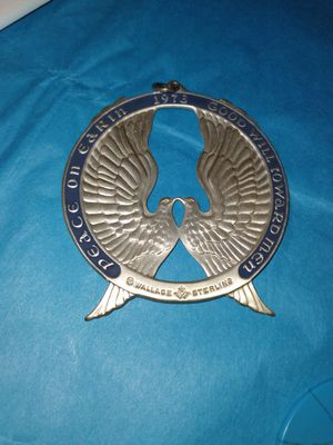 Huge Vintage Sterling Silver Wallace medallion pendant ornament for Sale in Pompano Beach, FL