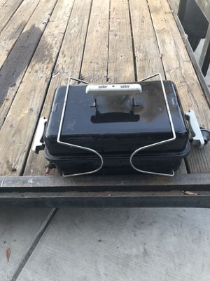 Small Weber bbq grill for Sale in Fresno, CA