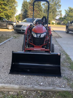 Mahindra tractor for Sale in Traverse City, MI