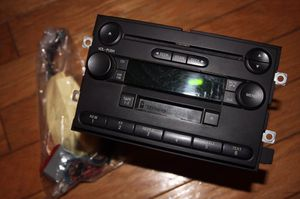 c4a02160c1696 04 FORD F150 NEW BODY STYLE RADIO AM FM CASSETTE SINGLE DISC CD PLAYER for