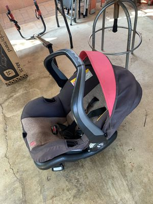 Car seat w 2 bases for Sale in Downey, CA