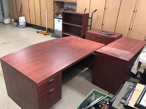 Executive Desk & office furniture for Sale in Peoria, AZ