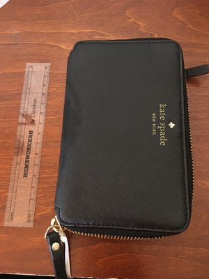 Kate Spade ♠️ wallet for Sale in Covina, CA