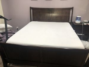 California King bed frame and Tempur-pedic mattress for Sale in Rancho Cucamonga, CA