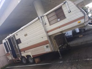 Fifth wheel trailer for Sale in San Diego, CA