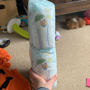 Sleeve Of Size 3 Pampers for Sale in Tacoma, WA