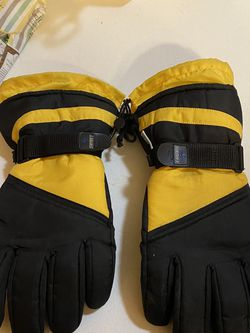 Snowmobile Gloves for Sale in Elgin,  IL