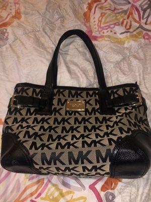 MK Medium Shoulder Bag for Sale in Chandler, AZ
