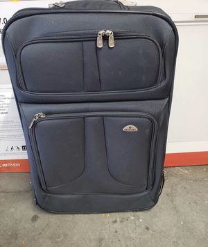 Samsonite Suitcase for Sale in Novato, CA
