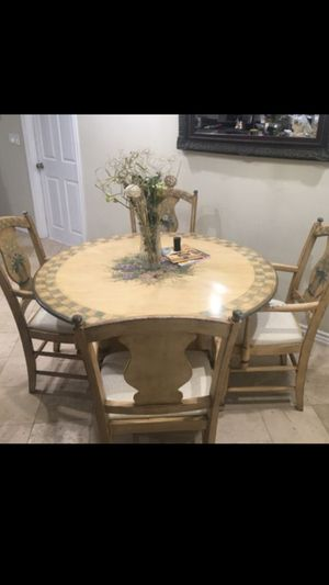 Dining table with 4 chairs. for Sale in Hawthorne, CA