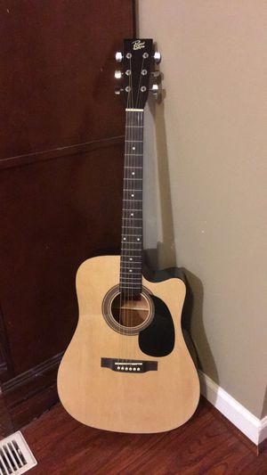 Dreadnought Acoustic Guitar w/bag for Sale in Hyattsville, MD