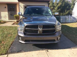 2017 Dodge Ram miles 4000 for Sale in Columbus, OH