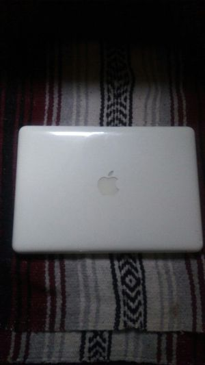 "13 "" Macbook (White) for Sale in Watsonville, CA"