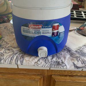 Colman 2gal Cooler for Sale in Bakersfield, CA