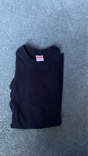 Blank supreme tee navy size small for Sale in Pittsburgh, PA