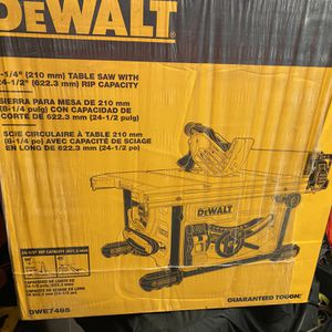 Dewalt 8-1/4 Table Saw for Sale in Staten Island, NY