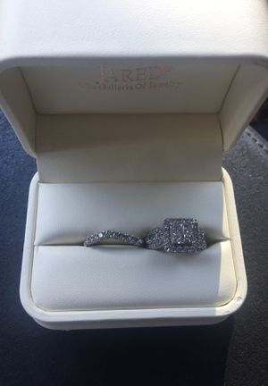 Wedding Set can be sold separately w/ papers for Sale in Houston, TX