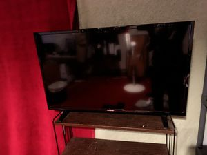 40 inch 1080p westinghouse tv very good condition used regularly for Sale in Martinsburg, WV